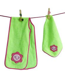 D'chica Set Of 2 A Smiley Burp Cloth & Bib - Green & Pink