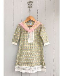 Frangipani Kids Jaipuri Jaal Print Kurti Leggings & Dupatta Set - Green & Pink