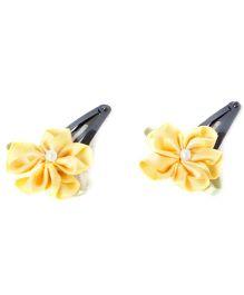 Treasure Trove Lilies Tic Tacs - Yellow