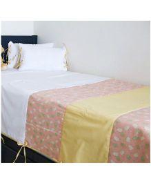 Kids Clan Little Barn Printed Quilt & Cushion Bed Set - White & Peach