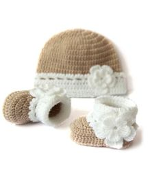 The Original Knit Flower Applique Cap And Booties - Beige & Off White