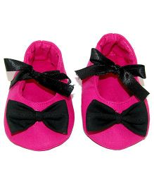 SnugOns Baby Shoes With Bow Applique - Pink & Black