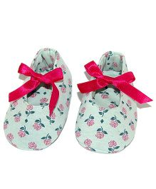 SnugOns Baby Shoes With Flower Print - Light Green