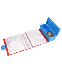 Topps Attaxx Trading Cards Box With 70 Cards - Blue