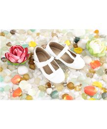 LCL Belly Shoes Bow Applique - White