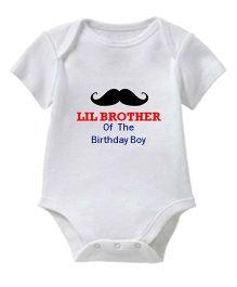 Chota Packet Half Sleeves Onesie Lil Brother Print - White