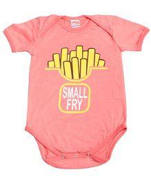 Hugsntugs Half Sleeves Small Fry Print Onesie - Peach