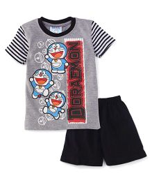 Eteenz Half Sleeves T-Shirt And Shorts Doraemon Print - Grey & Navy