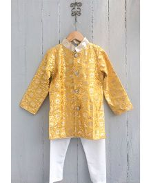 Frangipani Full Sleeves Kurta & Pyjama Set - Golden And White
