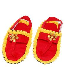 SnugOns Baby SlipOns With Ghungroo Design - Red & Yellow