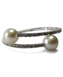 Sugarcart Rich Diamond Studded Adjustable Bracelet With Pearls - Silver