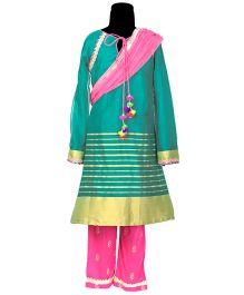 Hugsntugs Suit With Border & Bottom - Green & Pink