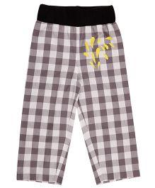 Pranava Checkered Print Unisex Pant - White & Black