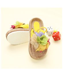 LCL Sandals With Back Strap Floral Applique - Yellow
