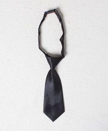 Pikaboo Short Tie - Black
