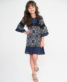 Yo Baby Geometric Ruffle BellSleeve Dress - Navy Blue