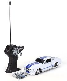 Maisto 1967 Ford Mustang GT Remote Control Car - White & Blue