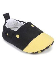 Ivee Baby Anti Skid Soft Sole Booties - Yellow