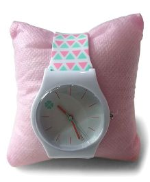 Aakriti Creations Trendy Watch With Triangular Prints - Pink & Green