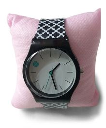 Aakriti Creations Trendy Print Slim Analog Watch - Black & White