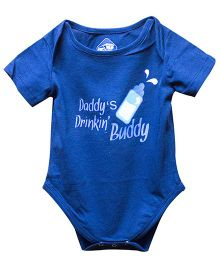 Blue Bus Store Daddy's Drinkin Buddy Print Onesie - Blue