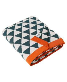 Pluchi Triangulos Bed Throw Blanket - Green White & Orange