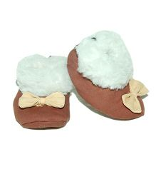Snugons Cotton Booties With A Bow Applique - Brown
