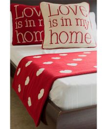 Pluchi Heart Print Bed Runner With 2 Cushion Covers Set - Red