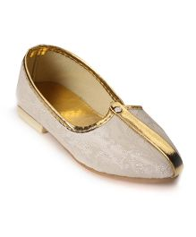 Ethniks Neu Ron Traditional Ethnic Mojari Shoes - Cream