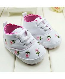 Wow Kiddos Floral Print First Walker Shoes - White