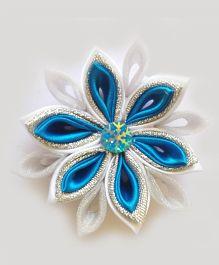 Reyas Accessories Snowflake Quilled Kanzashi Hair Clip - White & Blue