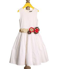 Mi Dulce An'ya Dress With Flower Applique - White