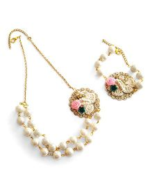 Soulfulsaai Filigree Base Embellished With Crochet Flowers Pearl Necklace Bracelet  - Off White