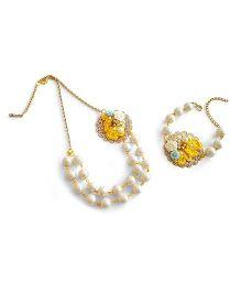 Soulfulsaai Filigree Base Embellished With Crochet Flowers Pearl Necklace Bracelet - Yellow