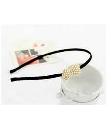 Flaunt Chic Pearl Bow Hairband - Gold