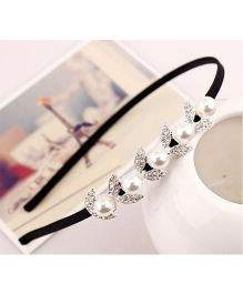 Flaunt Chic Pearls On Leaves Hair Band - Gold
