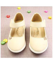 Walktrendy By Walkinlifestyle Velcro Shoes - Beige