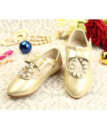 Walktrendy By Walkinlifestyle Mary Jane With Pearl And Bow - Golden