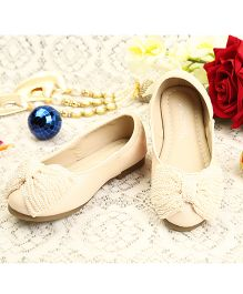 Walktrendy By Walkinlifestyle Ballerinas With Pearly Bow Applique - Beige