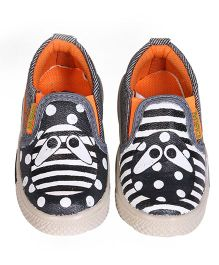 Brush Strokes Casual Shoes Alien Design - Black White