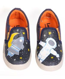 Brush Strokes Canvas Shoes Astronaut Design - Black White Blue