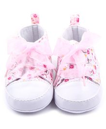 Wow Kiddos Cute Mini Printed Antislip Soft Sole Baby Shoes - Baby Pink