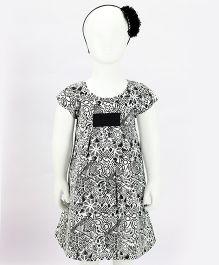 Pixi Cute A-Line Dress - White & Black