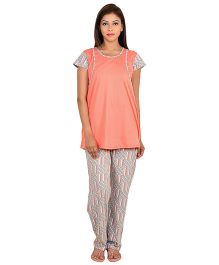 9teenAGAIN Short Sleeves Maternity Night Suit - Peach