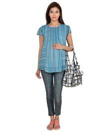9teenAGAIN Short Sleeves Printed Maternity Top - Blue