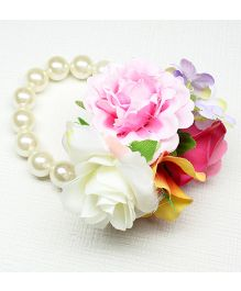 Asthetika Flower Pearl Bracelet - Pink & White