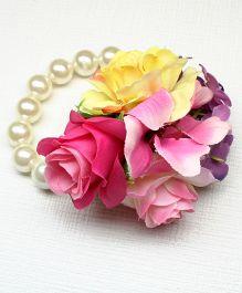 Asthetika Flower Pearl Bracelet - Pink & Yellow