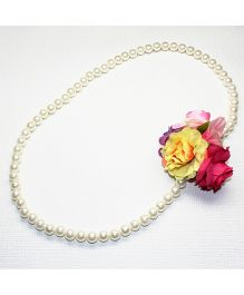 Asthetika Flowers Pearl Necklace - Yellow & Pink