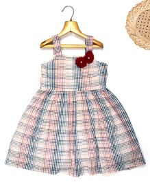 Marshmallow Checkered Shoulder Dress With Flower Applique - Maroon