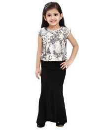 Tiny Baby Shimmer Embellished Top With Black Coloured Mermaid Style Long Skirt - Black